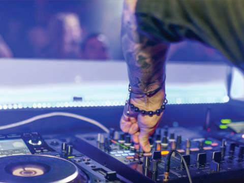 Spettacoli, Eventi e Pool Party in Hotel tutte le sere